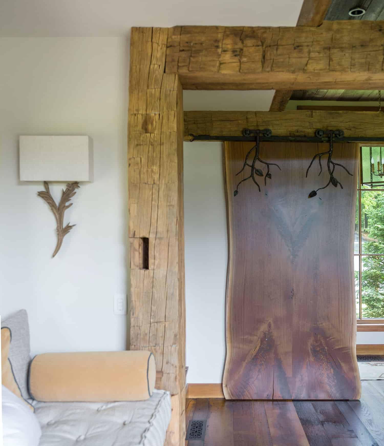 rustic-living-room-sliding-barn-door