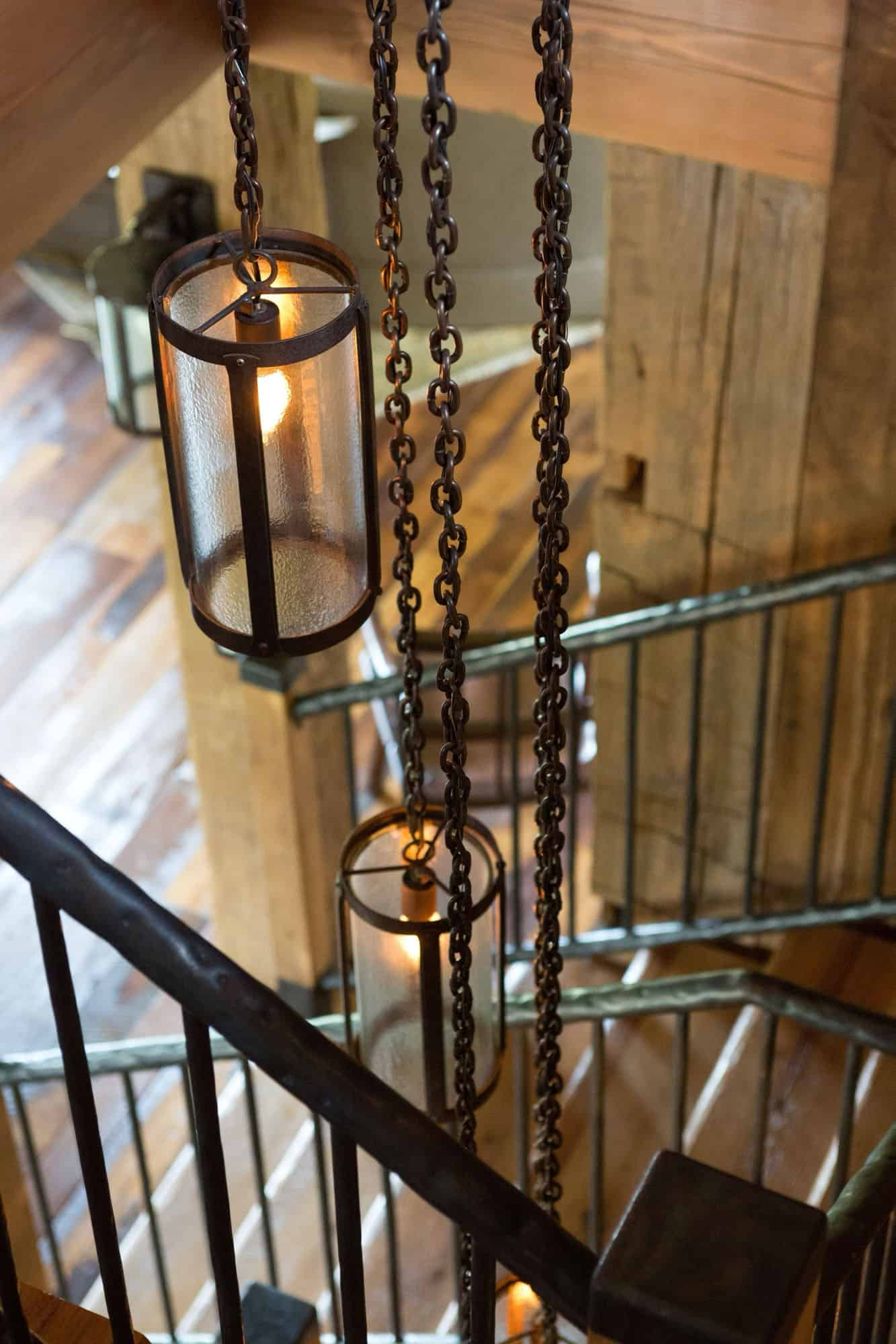 rustic-staircase-light-fixture-detail