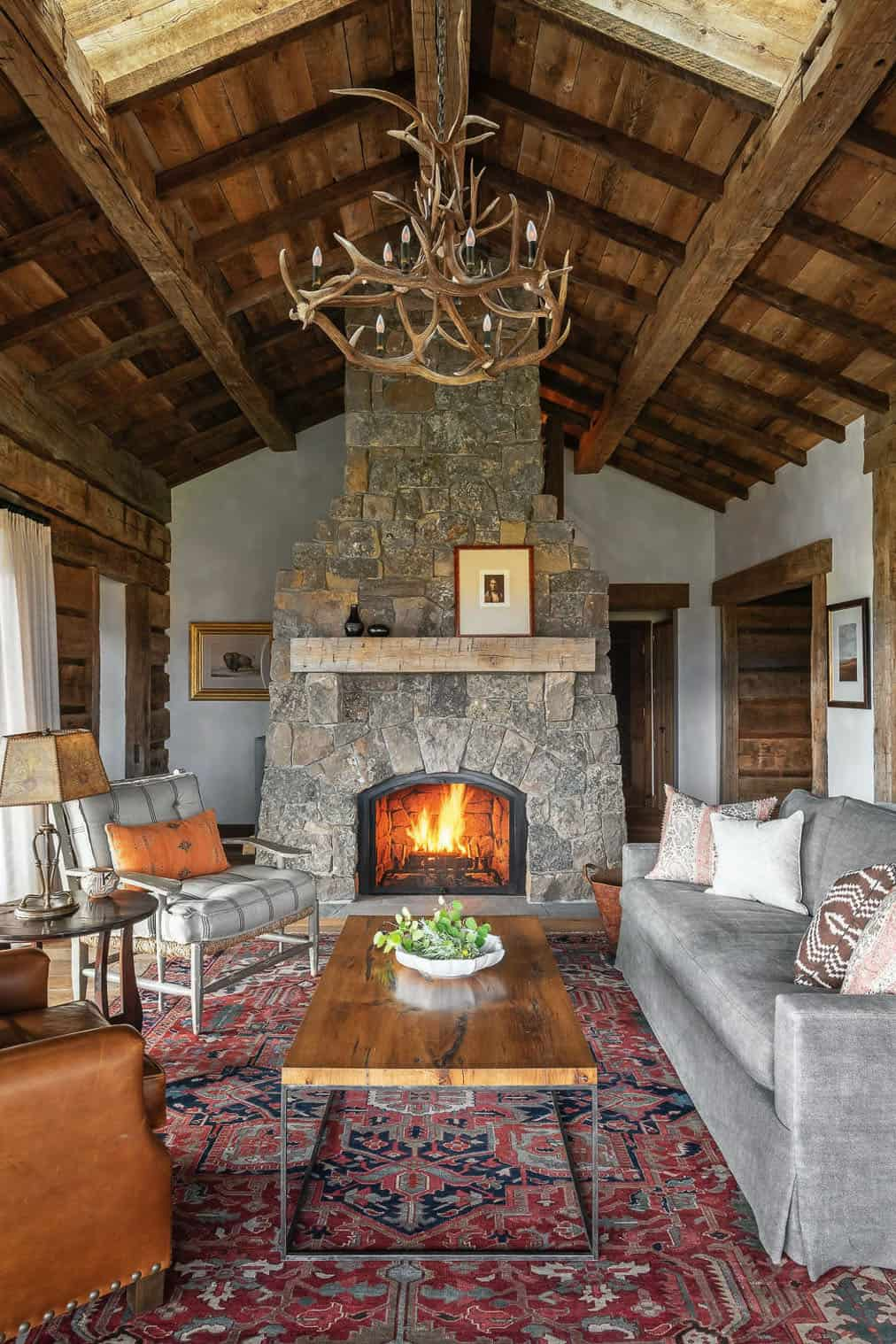 rustic-mountain-sanctuary-living-room