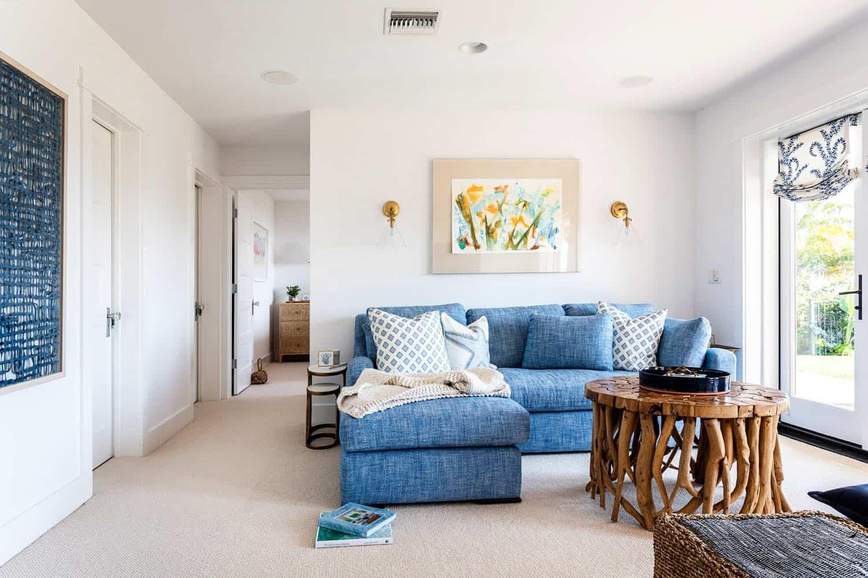 traditional-coastal-family-room