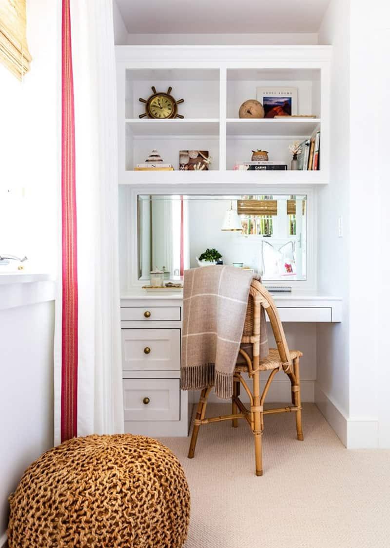 traditional-coastal-bedroom-desk