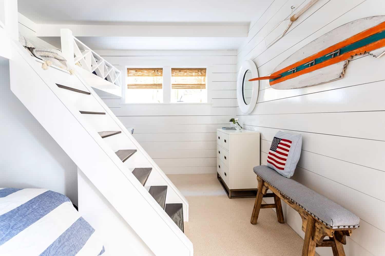traditional-coastal-kids-bunk-bedroom