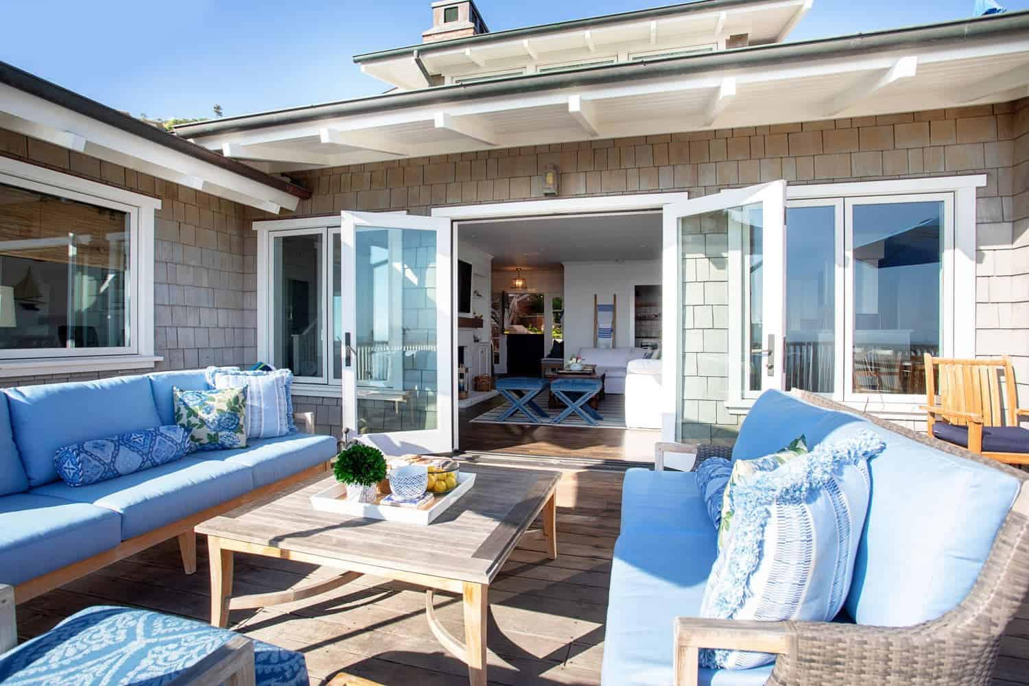 traditional-coastal-home-roof-deck