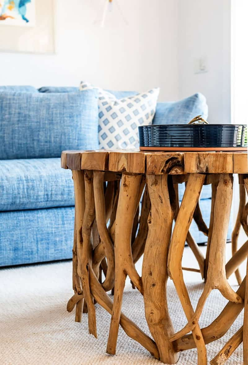 traditional-coastal-family-room-coffee-table-detail