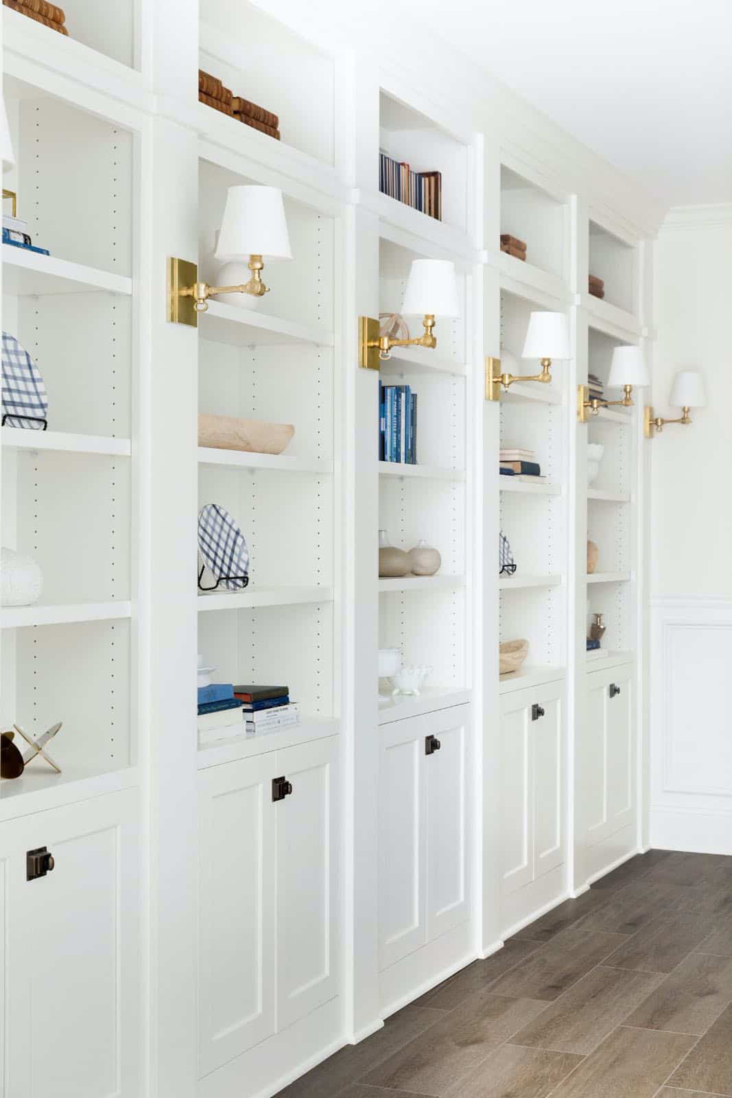 traditional-basement-bookcase