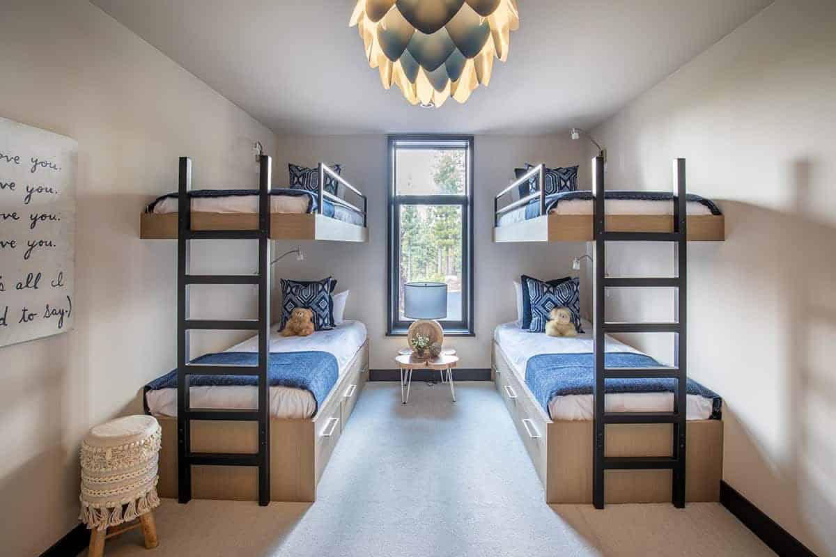 mountain-modern-kids-bunk-bedroom
