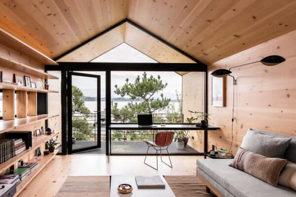 featured posts image for Compact wooden shelter captures views over Seattle shoreline