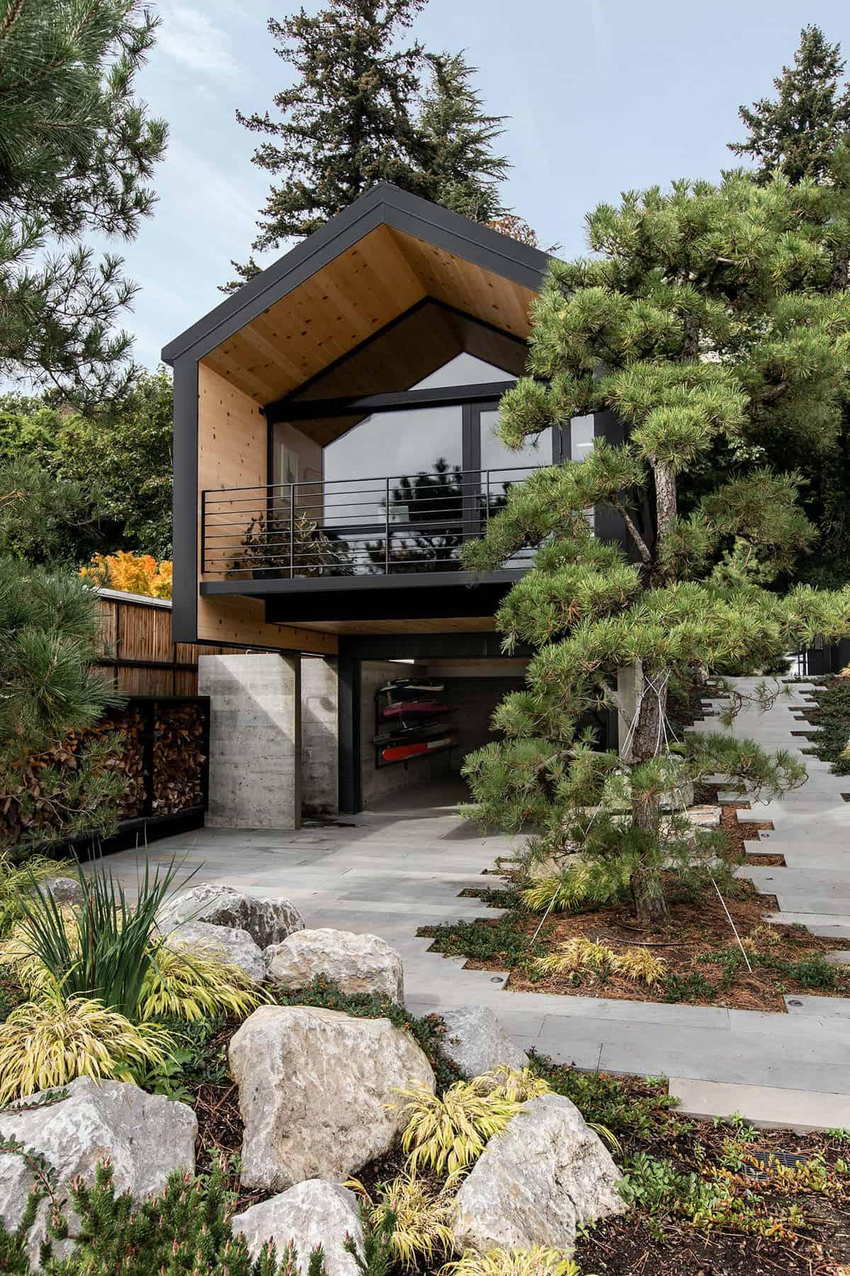 guest-cabin-exterior
