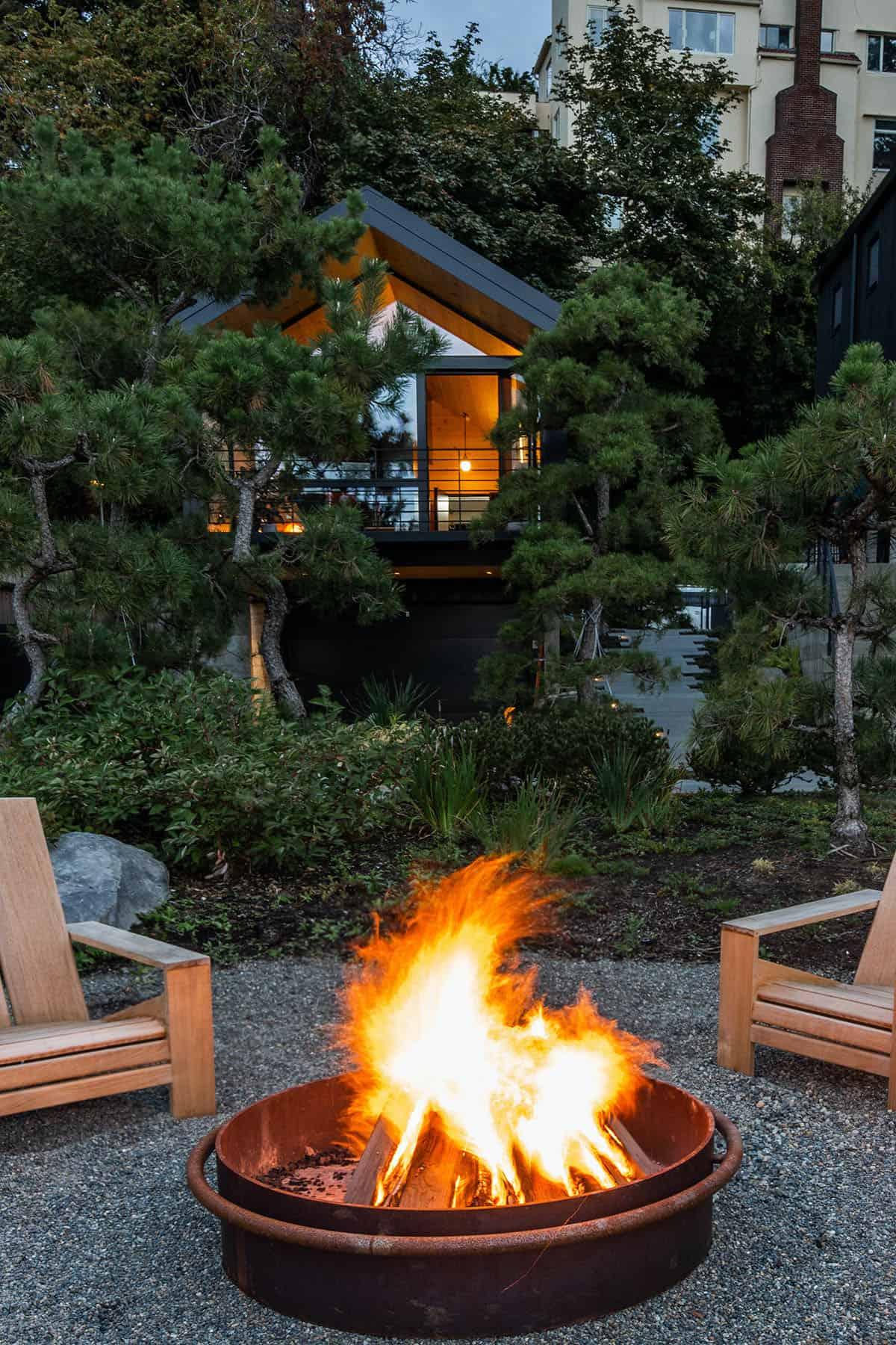 guest-cabin-patio-fire-pit