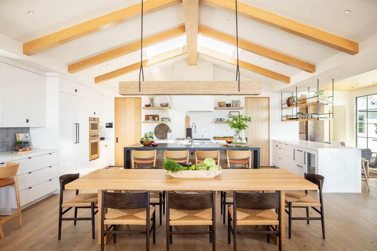 coastal-contemporary-kitchen