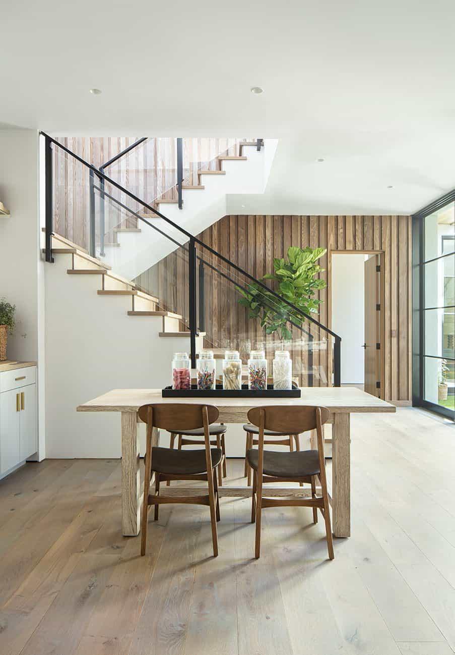 coastal-contemporary-family-room