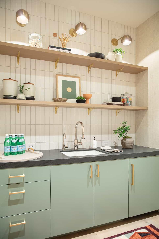 coastal-contemporary-laundry-room