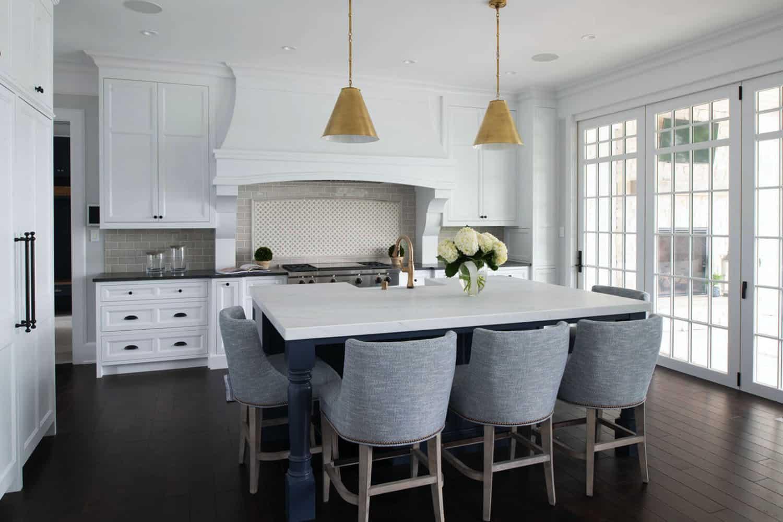 coastal-lake-home-kitchen