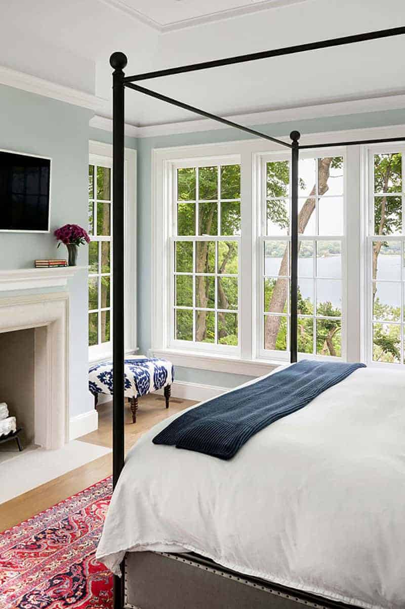 colonial-style-bedroom