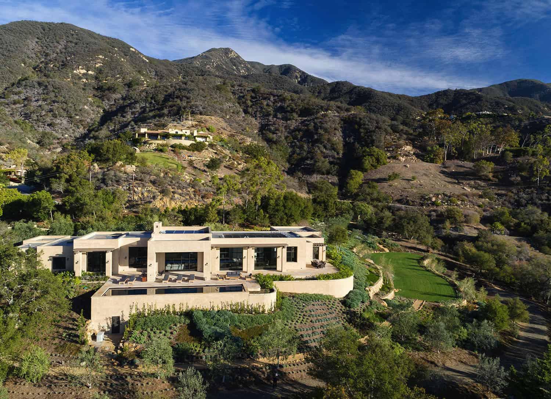 contemporary-hilltop-residence-exterior