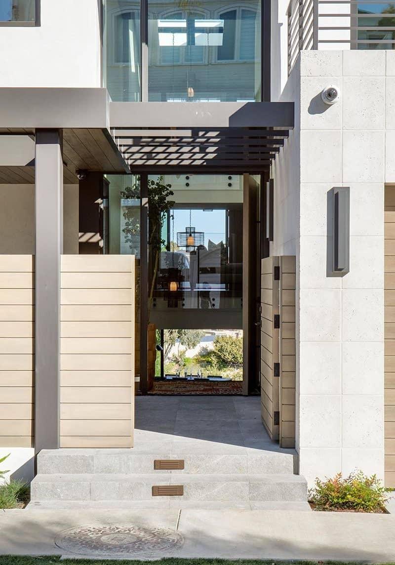 contemporary-seaside-home-entry