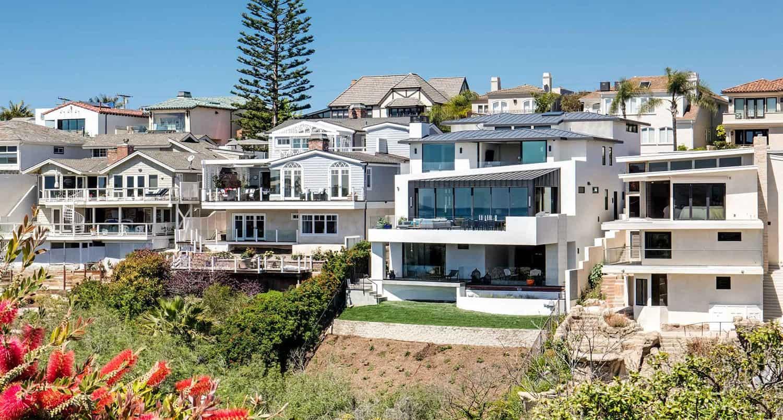contemporary-seaside-home-exterior