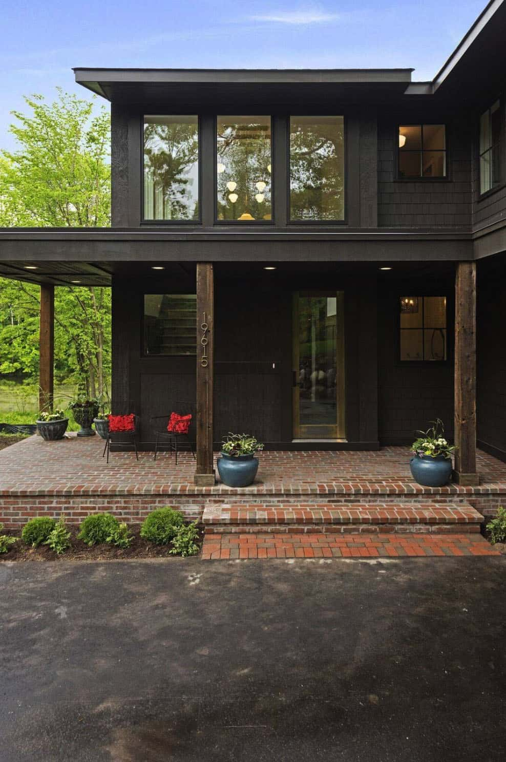 craftsman-style-home-exterior