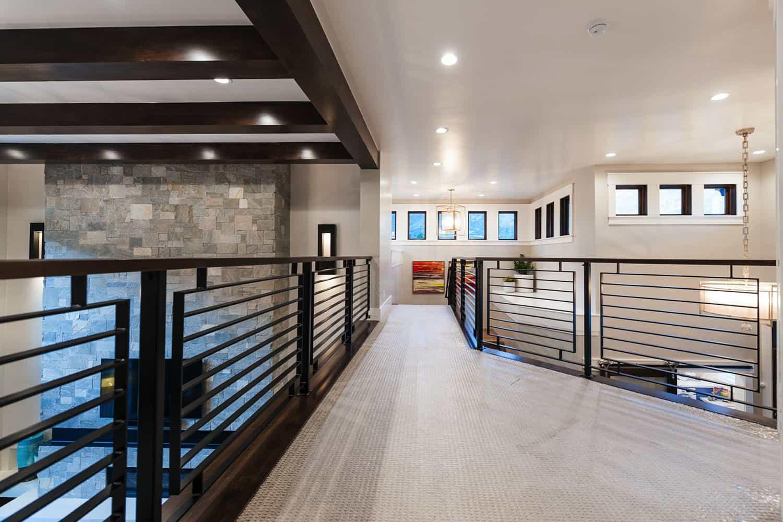craftsman-upstairs-hallway