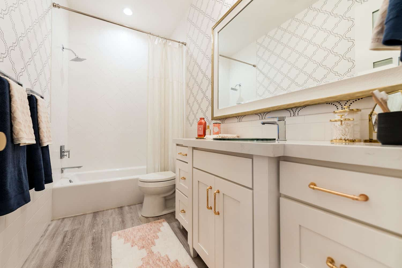 craftsman-kids-bathroom