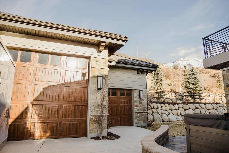 craftsman-style-garage-exterior