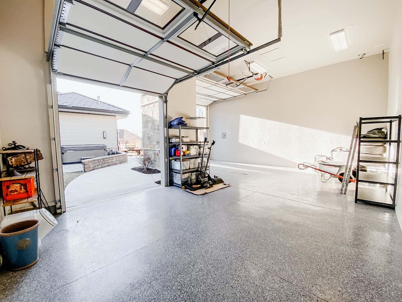garaža u obrtničkom stilu