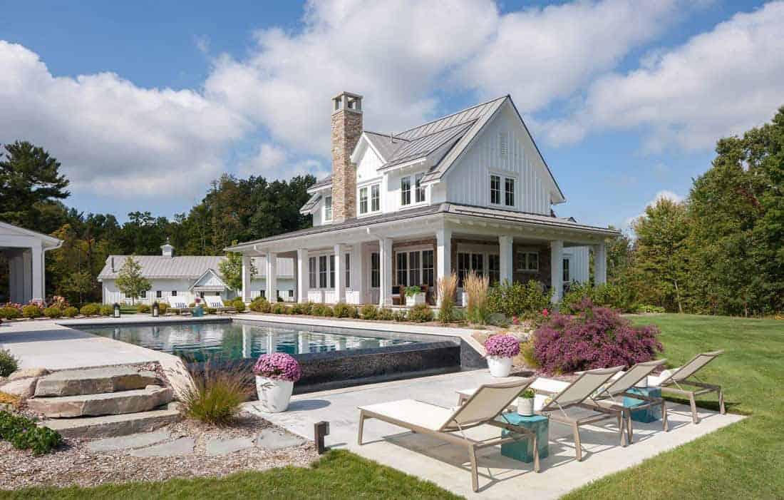 farmhouse-style-estate-exterior-pool