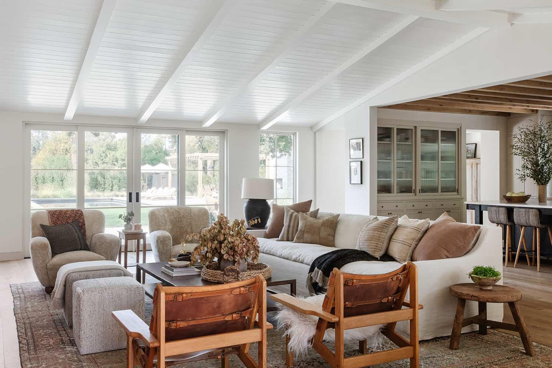 dnevna soba u stilu zapadne obale
