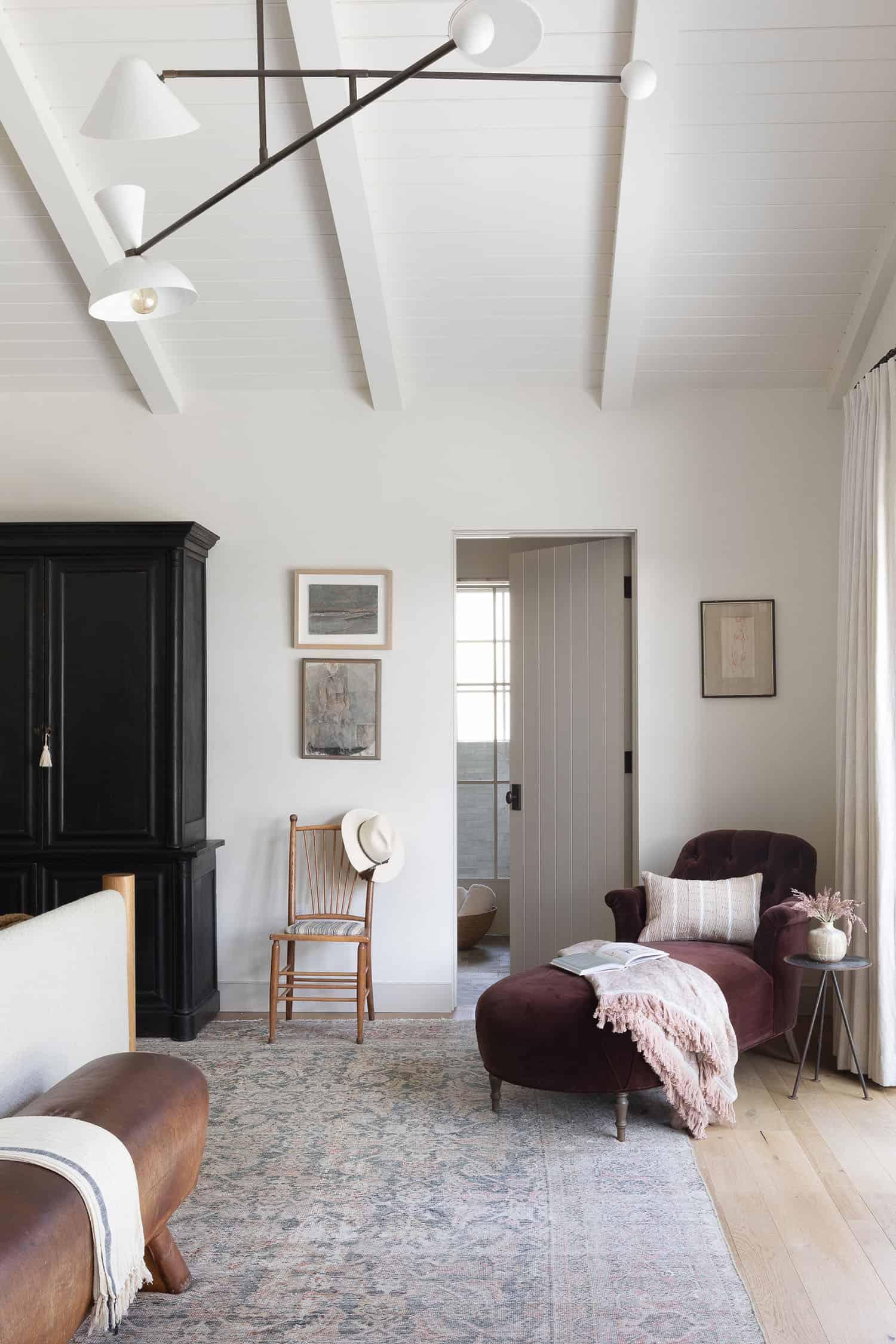 west-coast-style-bedroom