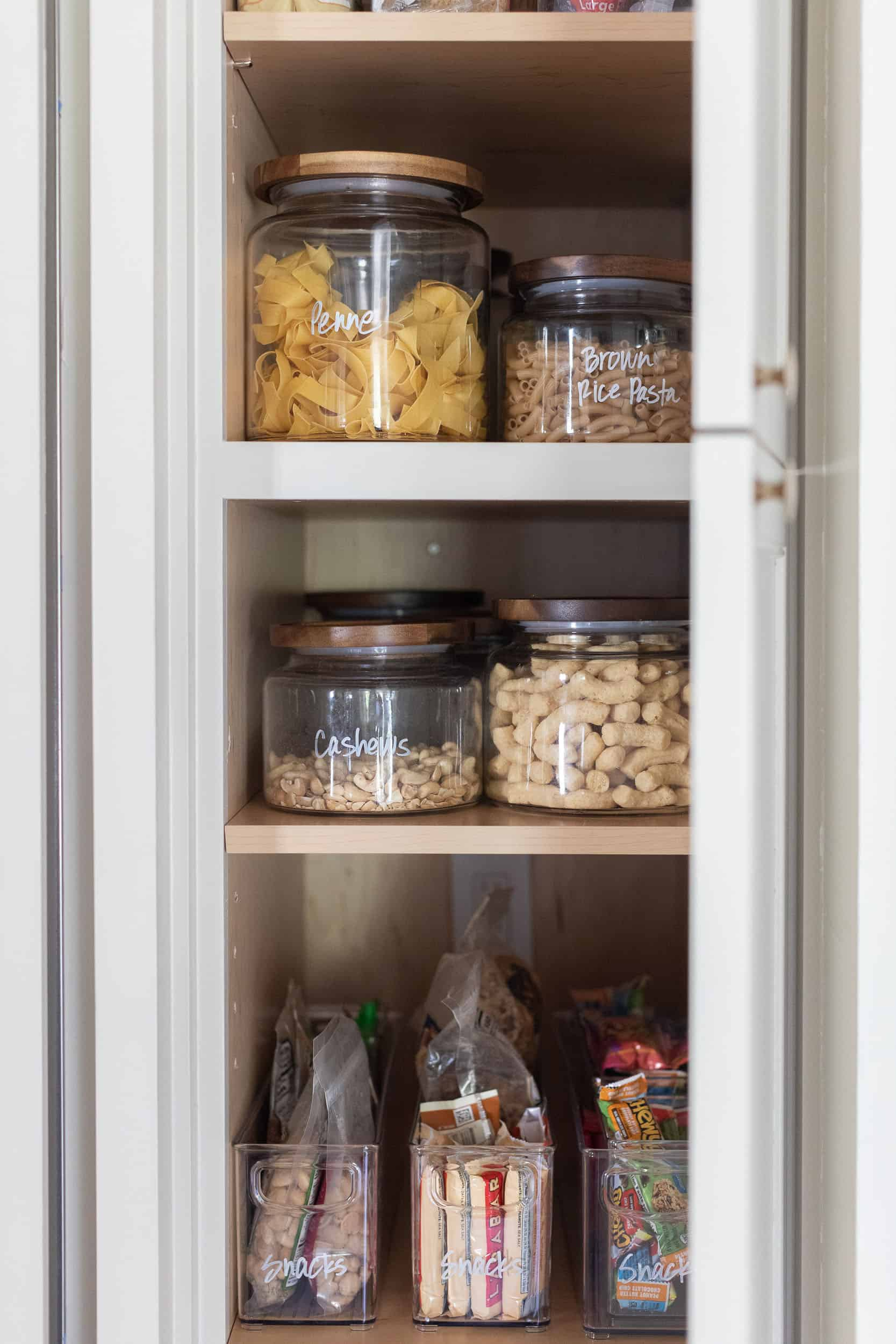 west-coast-style-kitchen-pantry
