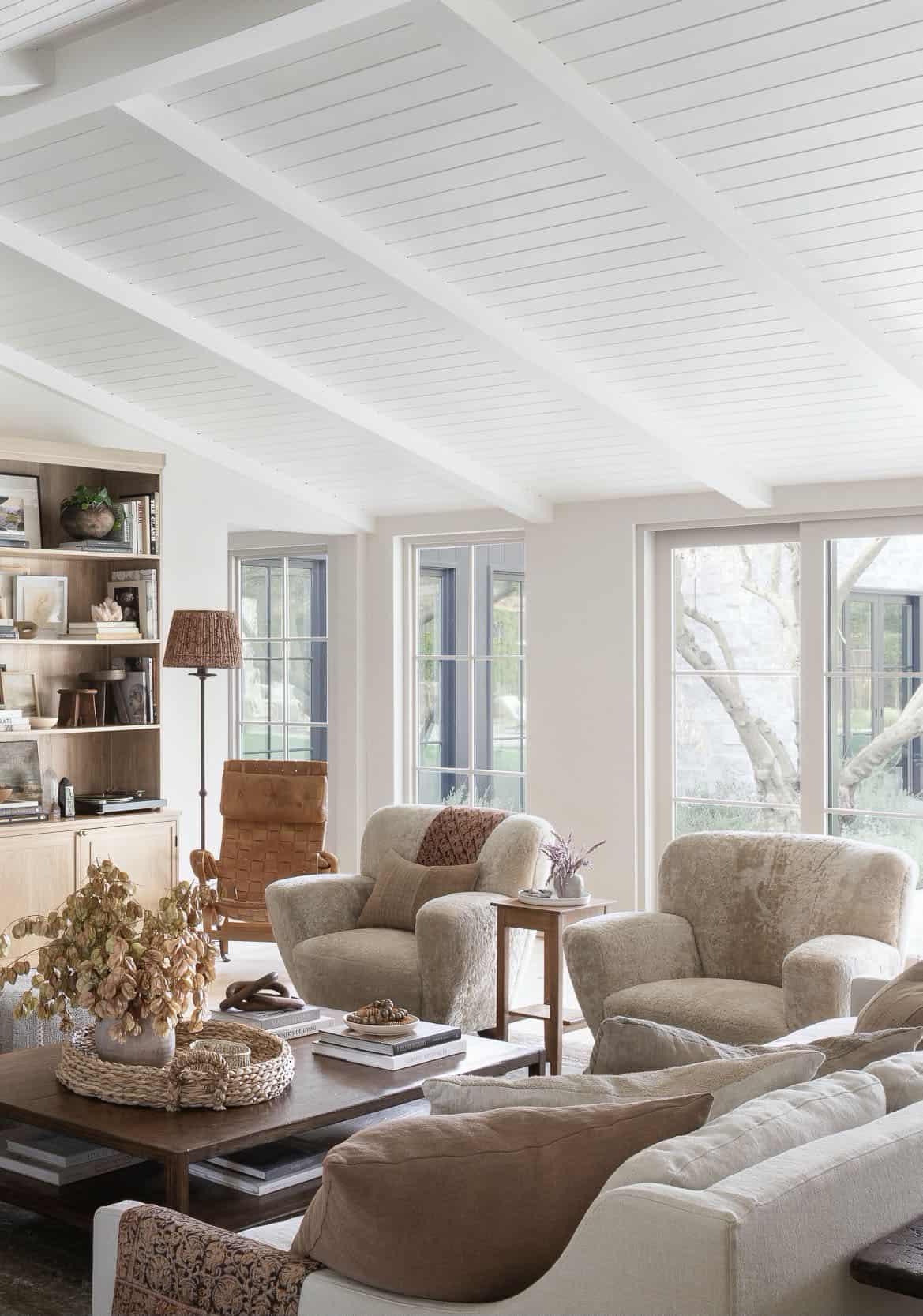 west-coast-style-living-room