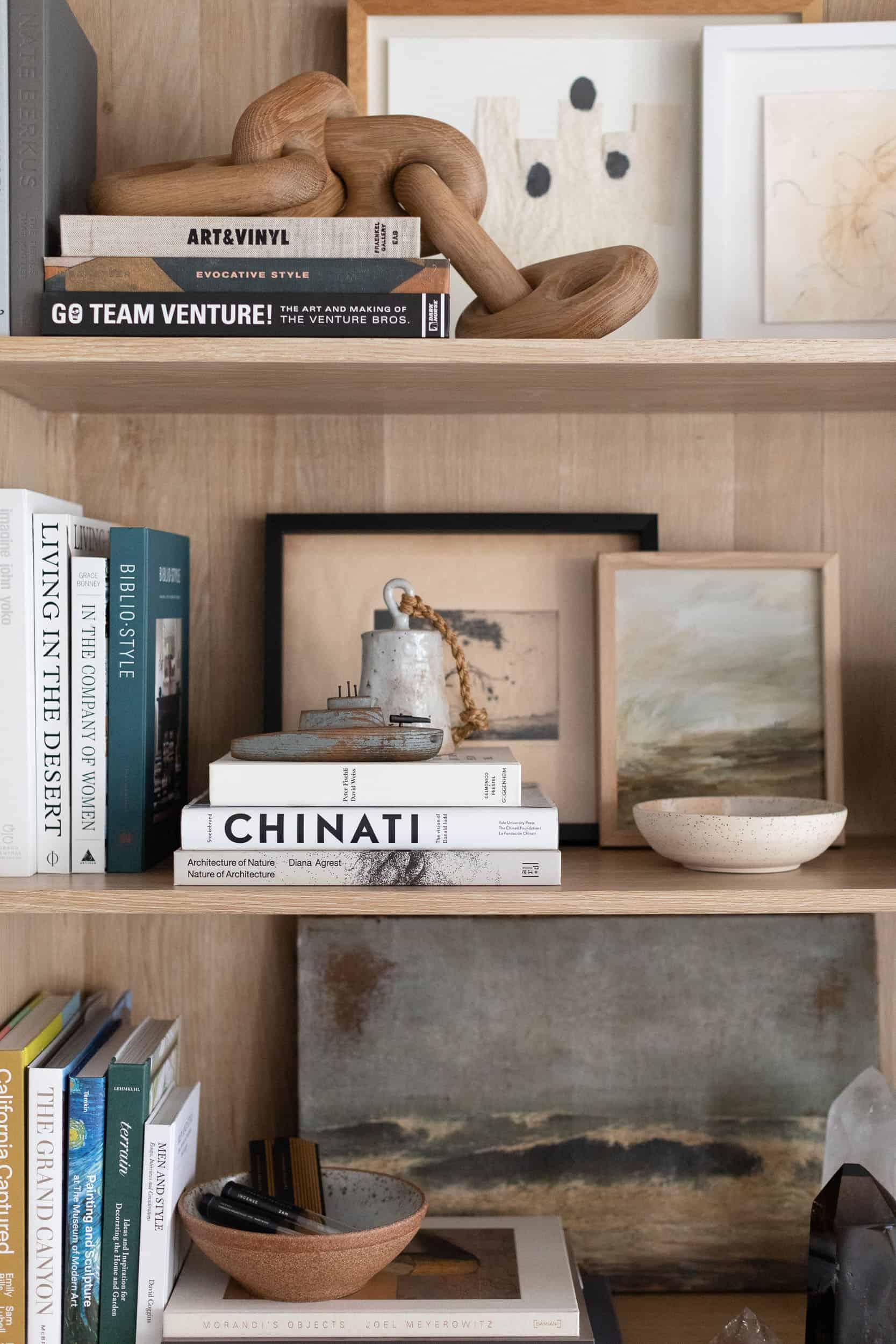 west-coast-style-living-room-shelf-detail