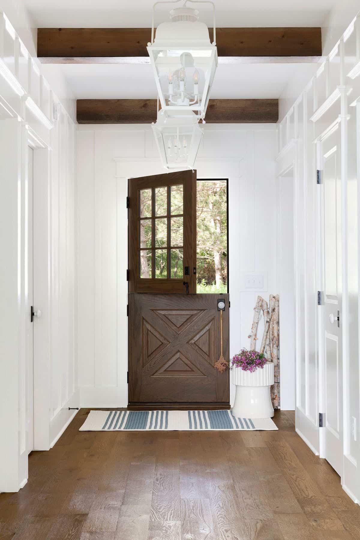 lake-house-dutch-door-entry