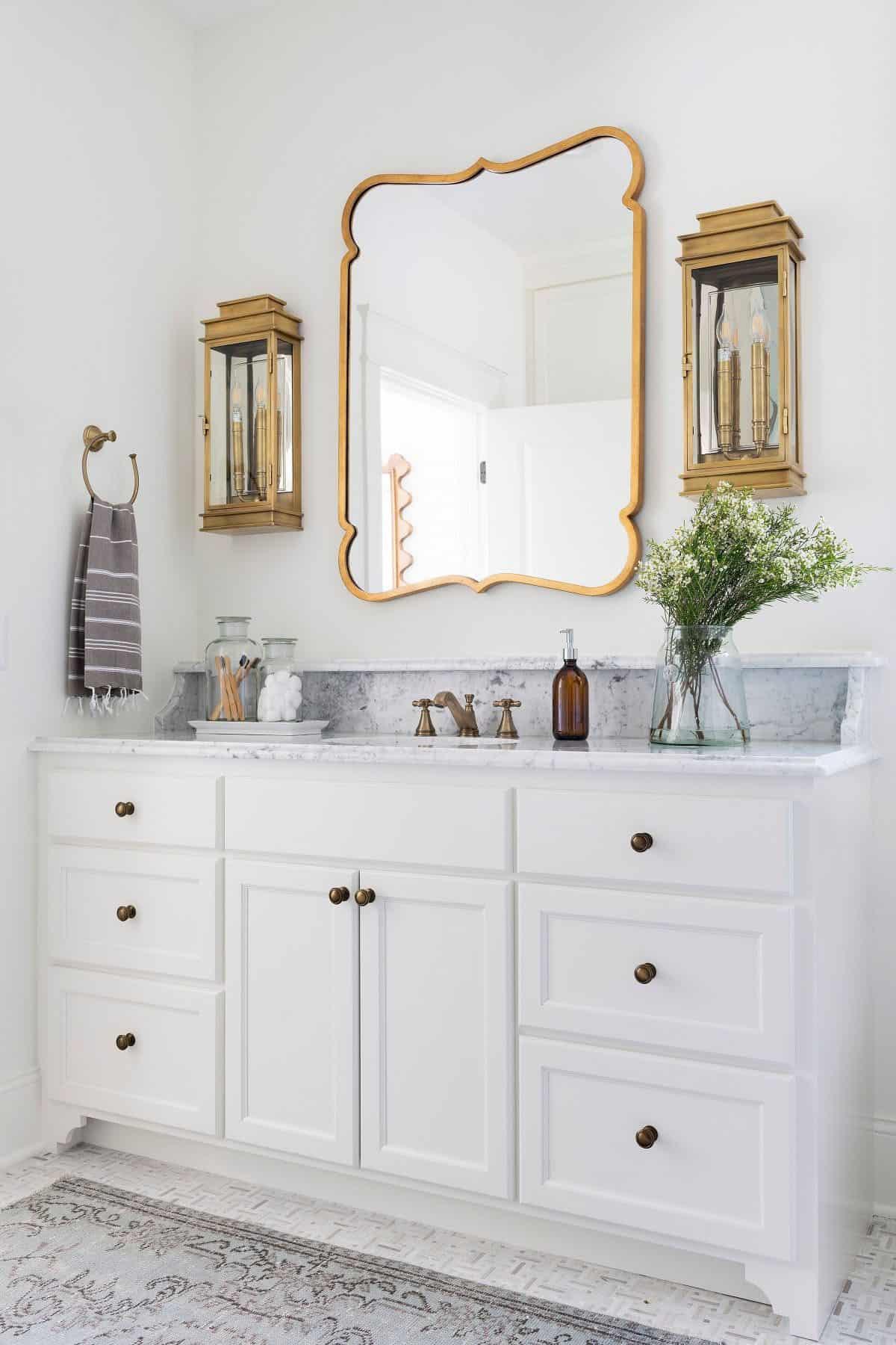 lake-house-bathroom