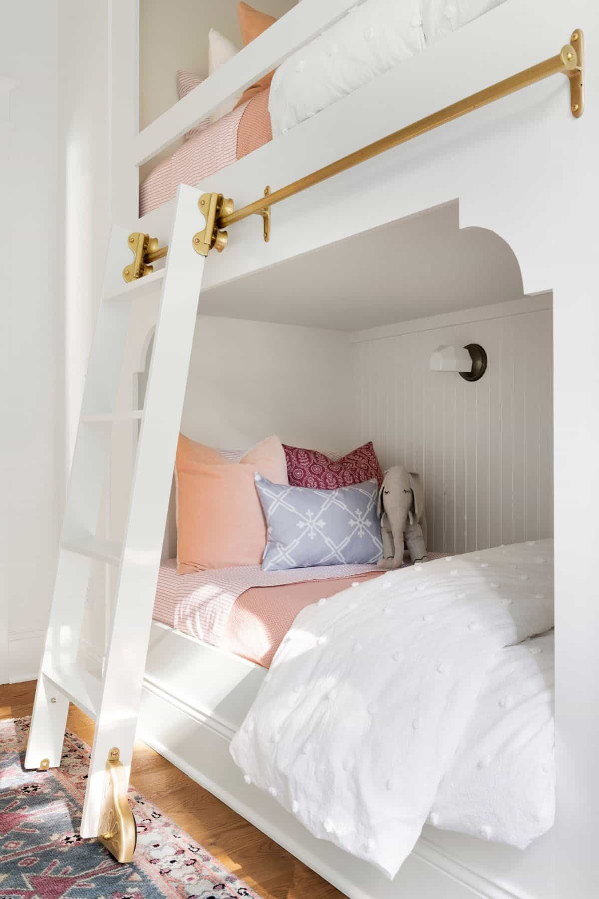 lake-house-bunk-bedroom