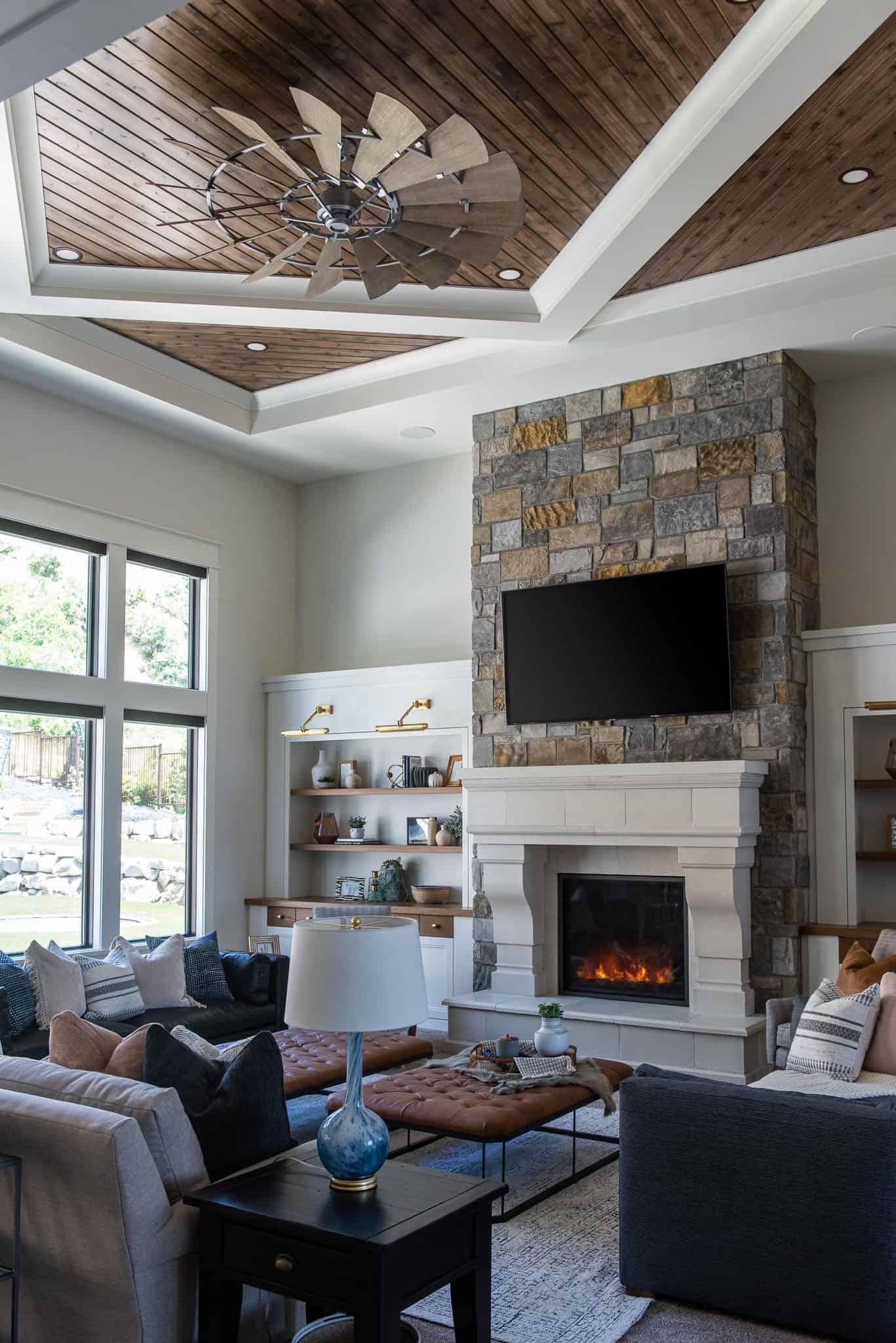 luxury-farmhouse-style-living-room