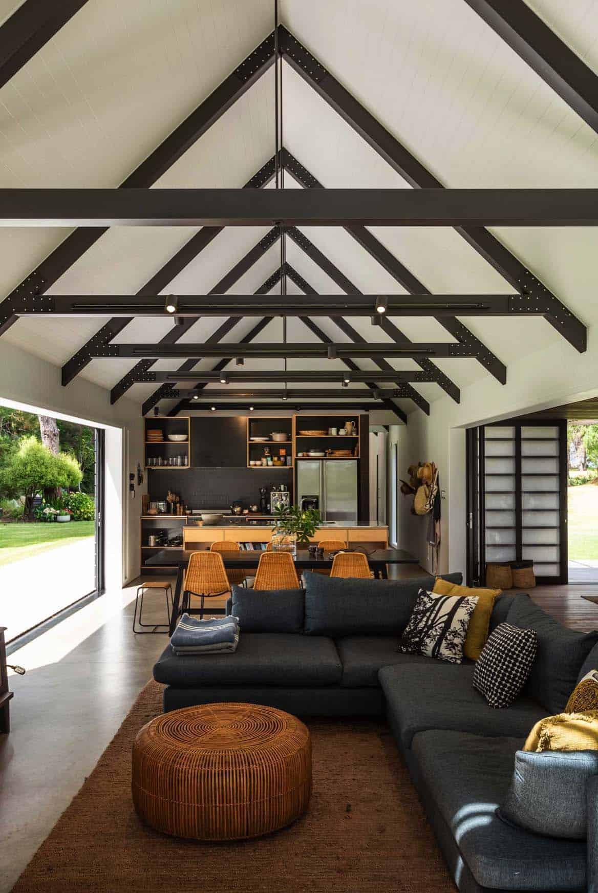 gable-cabin-retreat-living-room