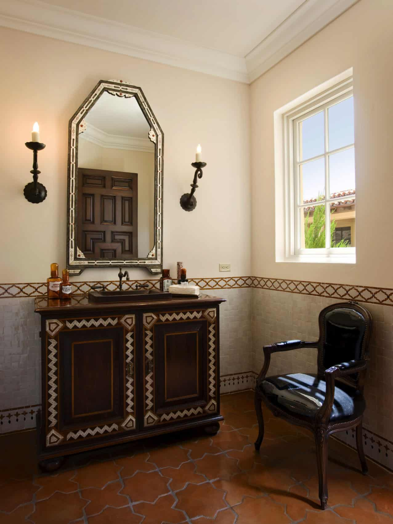 mediterranean-style-powder-room-Moroccan-detail