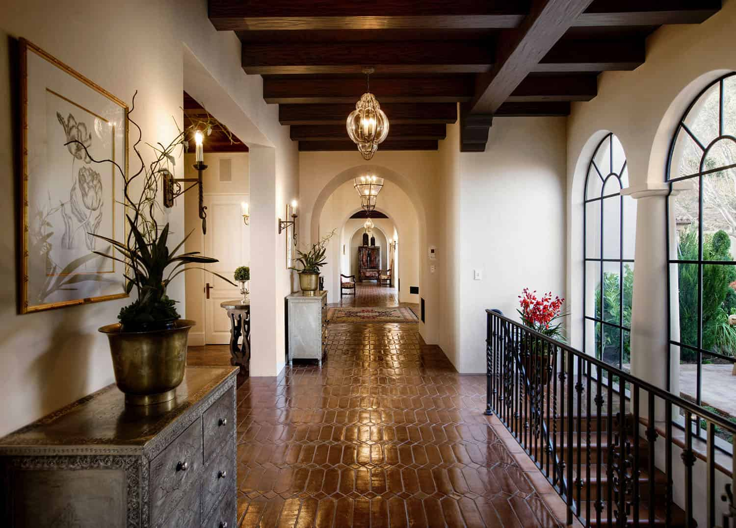 mediterranean-style-hall-and-staircase