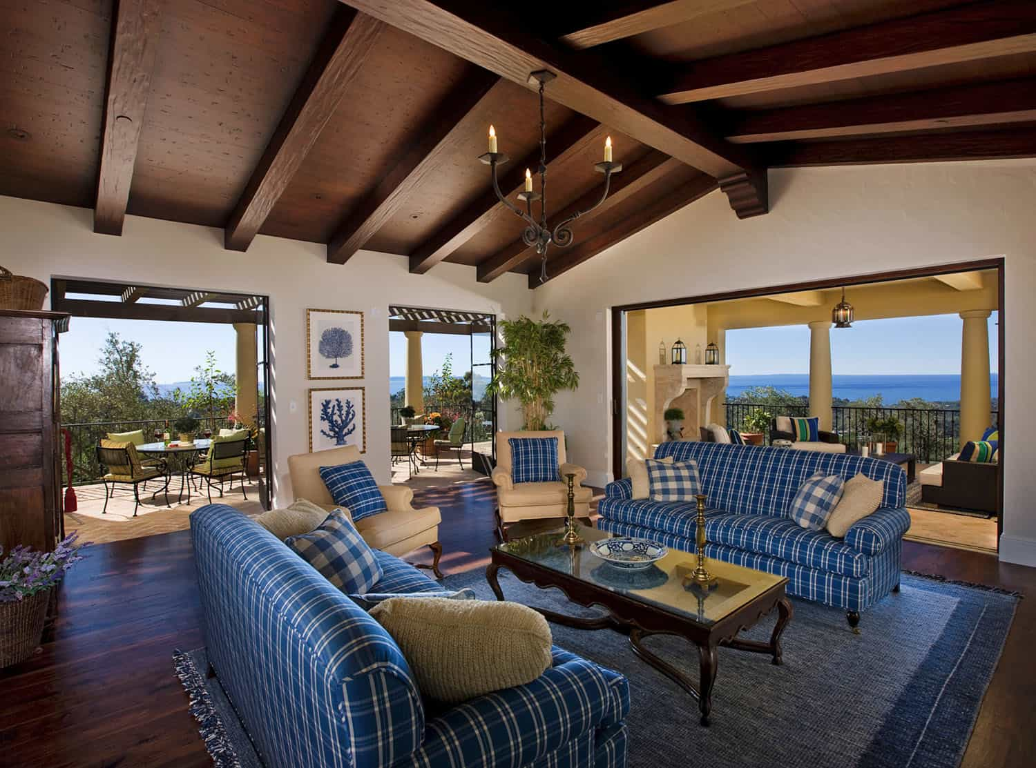 mediterranean-style-family-room-and-patio-and-loggia