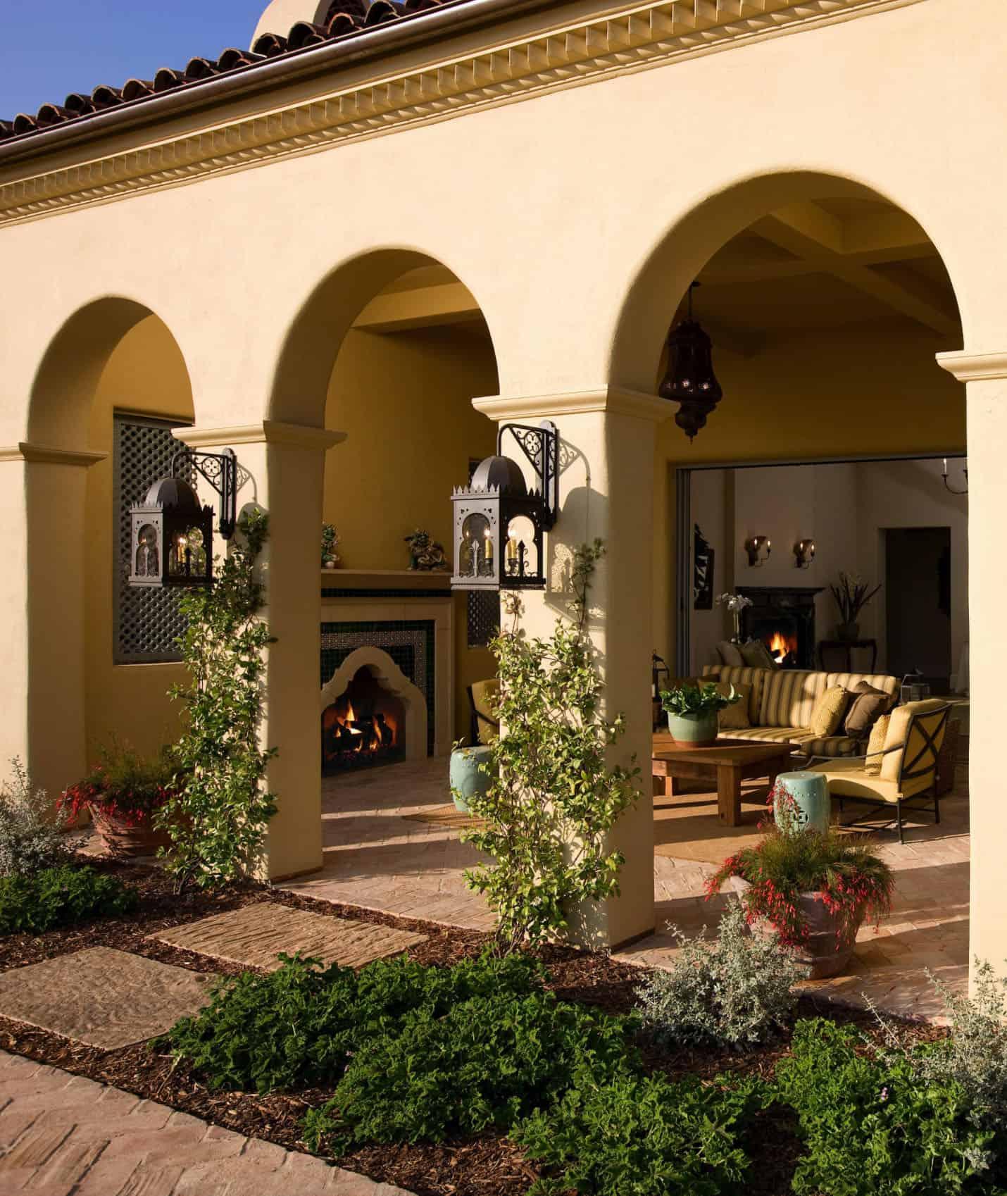 mediterranean-estate-loggia-and-landscaping