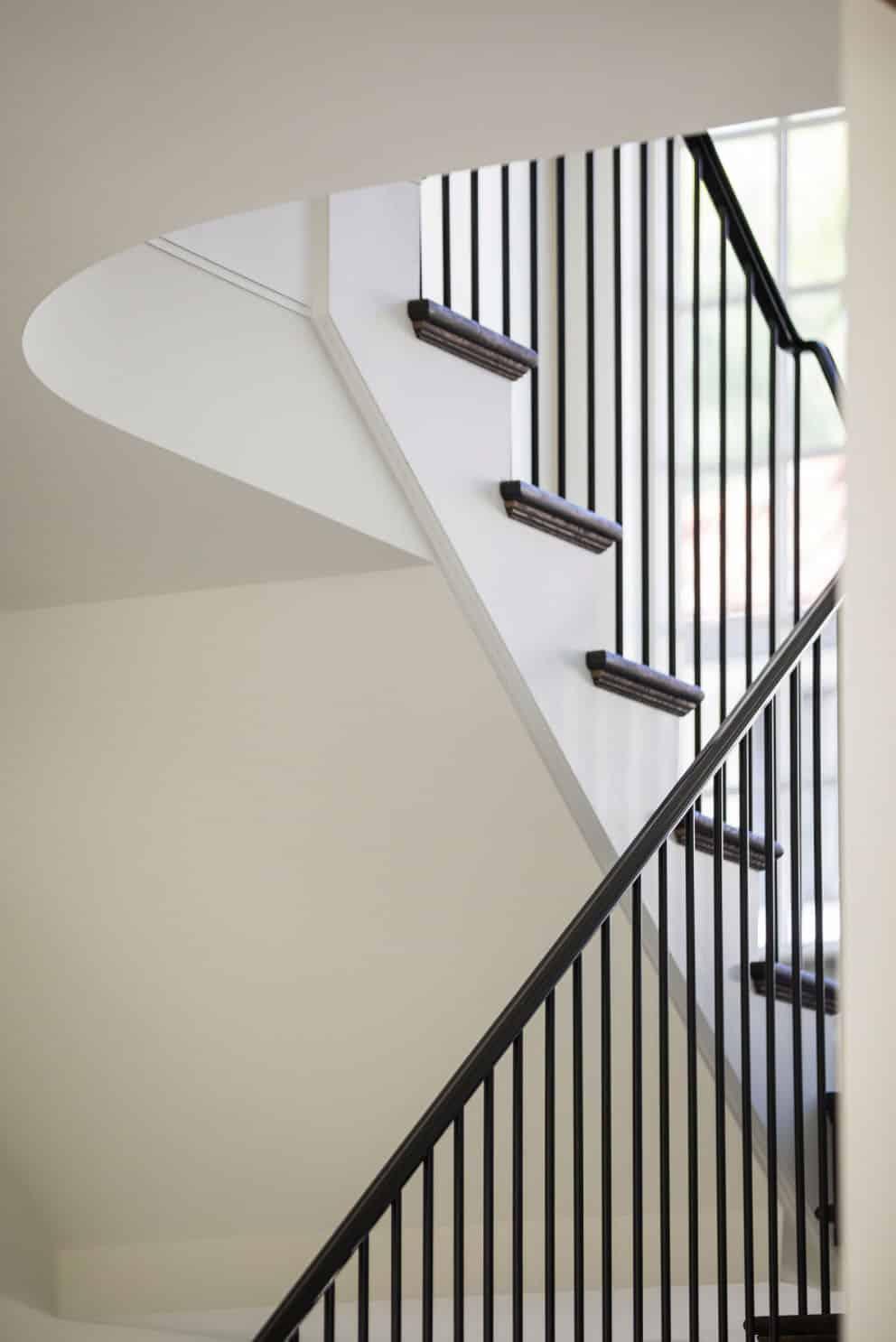 farmhouse-staircase-minneapolis-phvw-vp~103939946
