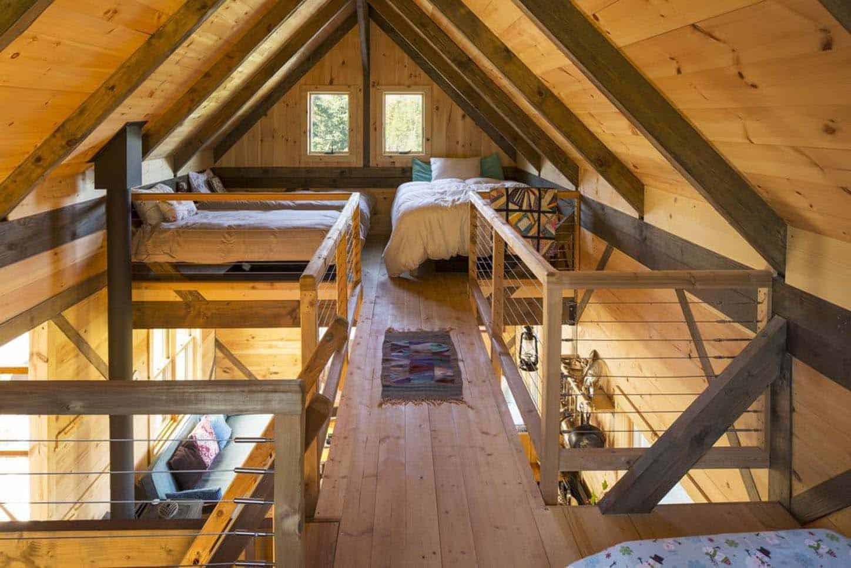 rustic-off-grid-cabin-loft-bedroom