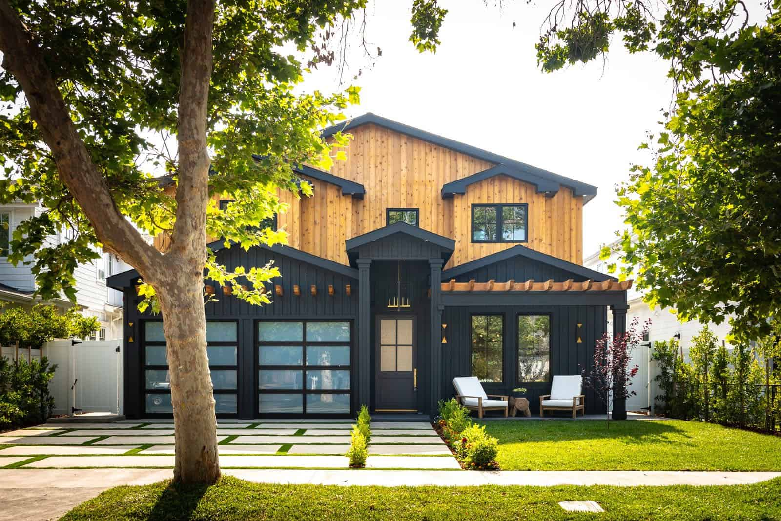 modern-farmhouse-home-exterior