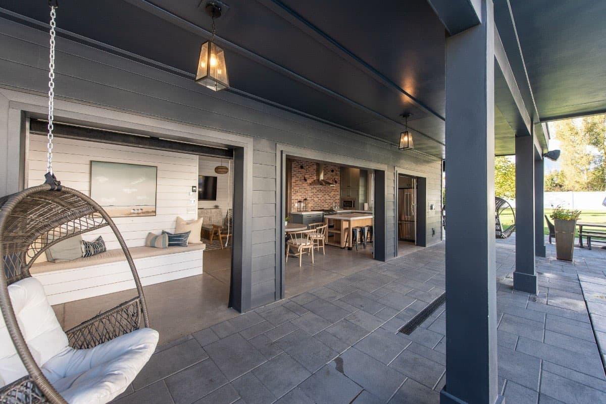 modern-farmhouse-covered-porch