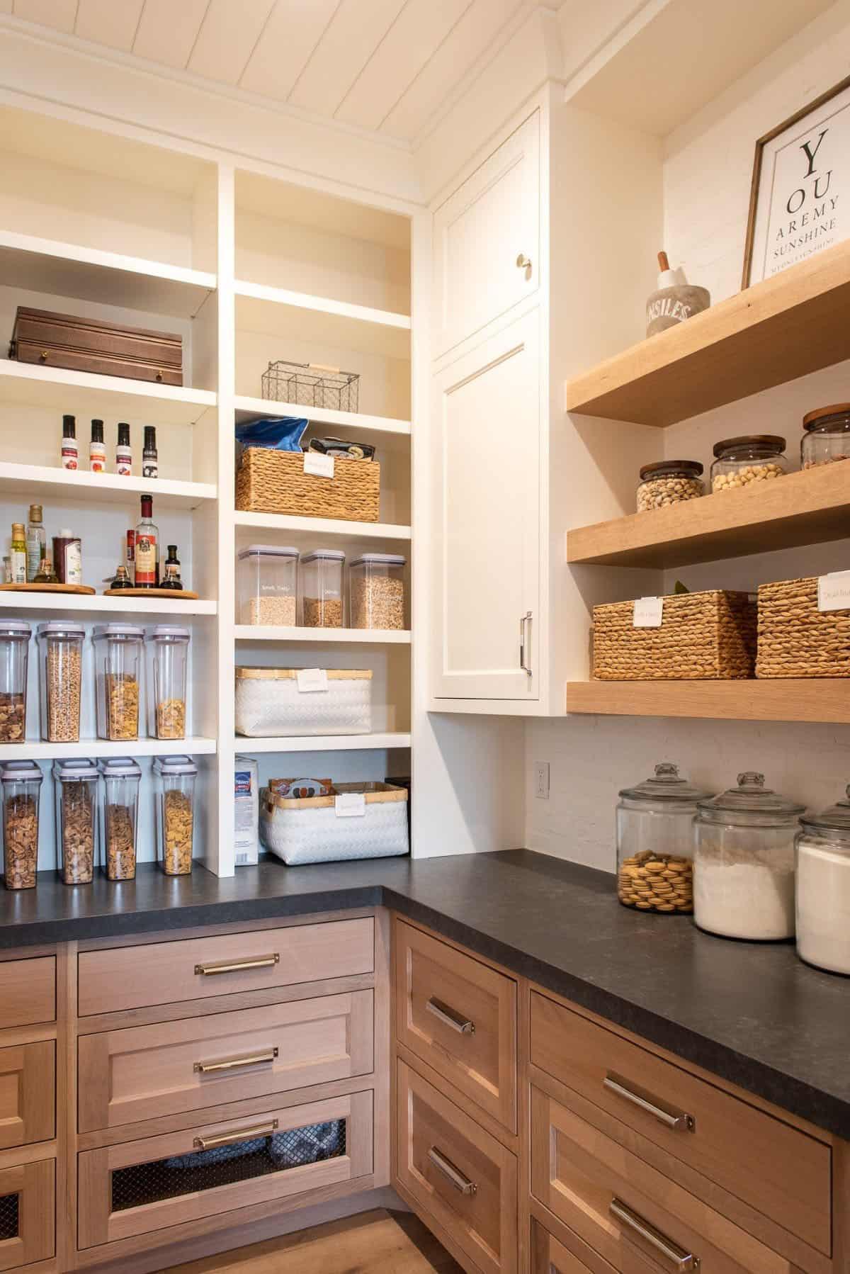 modern-farmhouse-kitchen-pantry