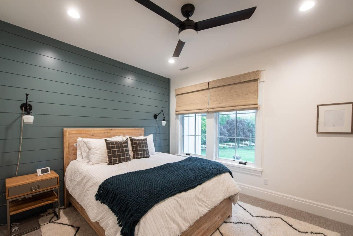 modern-farmhouse-kids-bedroom