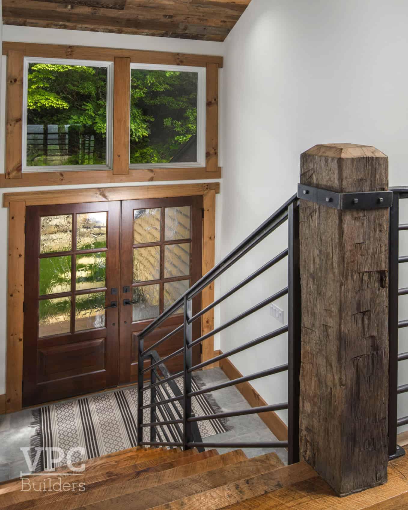 modern-mountain-staircase-entry