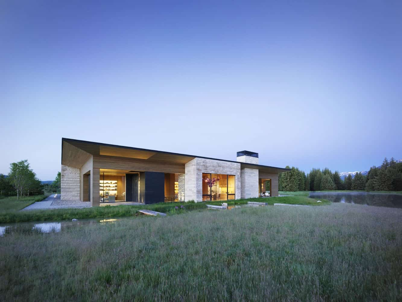 modern-rustic-ranch-house-exterior