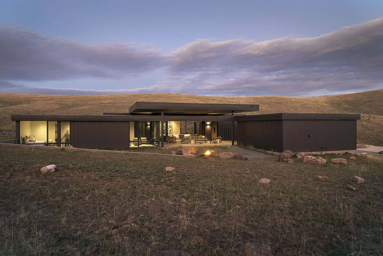 off-grid-modern-cabin-exterior